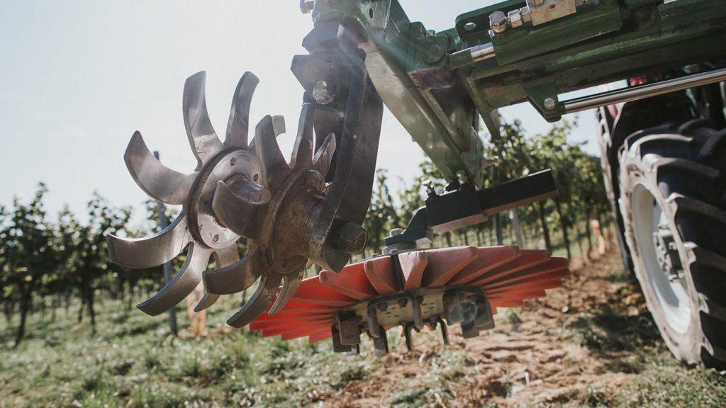 Produktbild_Rollhacke_CFS Cross Farm Solution_Rueckseite Fingerhacke