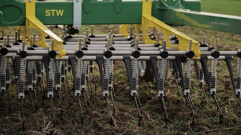 Produktbild_Striegel STW CFS Cross Farm Solution Konstantdruck Feder_Einsatz